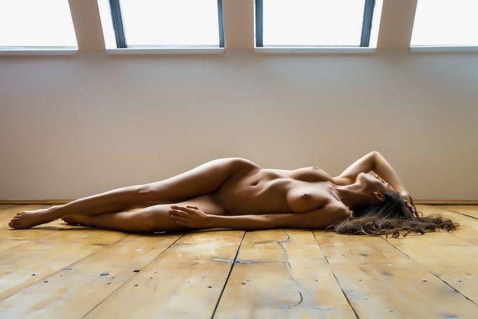 Загорелые голые модели фотки девушками
