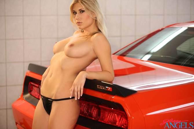Моют машину порно