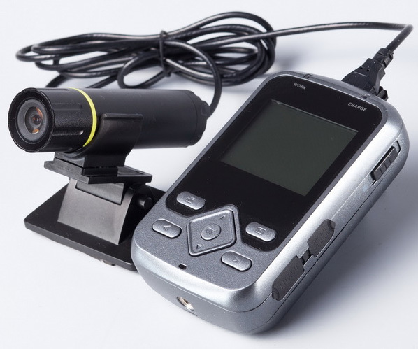 Видеорегистраторы автомобильные с выносными камерами