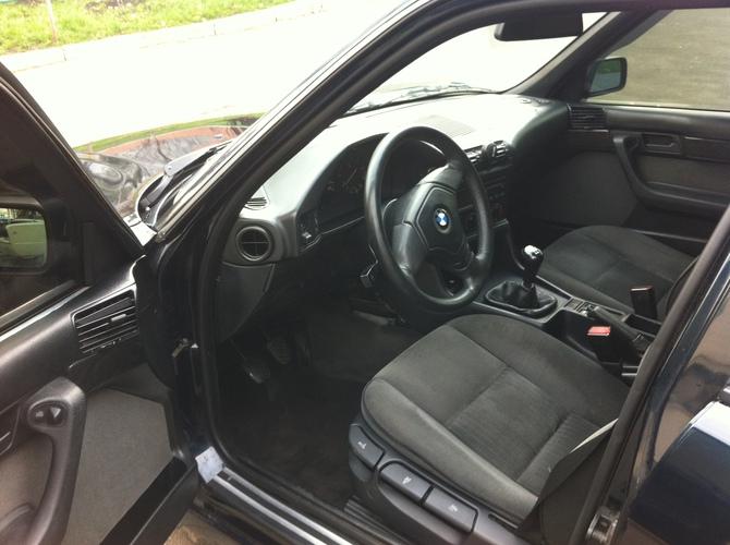 Руль тут достался от e39 кузова с airbag
